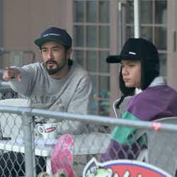 パークのデザインを手伝う海斗(右)「TERRACE HOUSE OPENING NEW DOORS」48th WEEK(C)フジテレビ/イースト・エンタテインメント