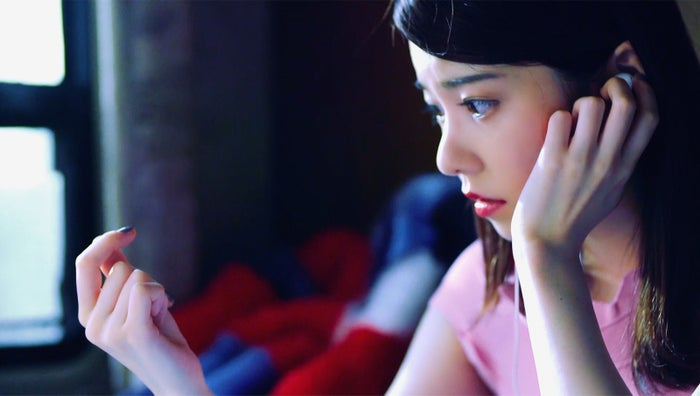 AKB48「ハイテンション」MVより(C)AKS/キングレコード