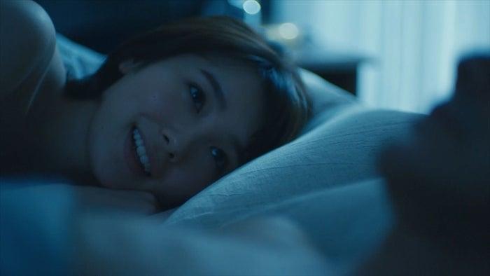 飯豊まりえ/「パパ活」第6話より(C)エイベックス通信放送/フジテレビジョン