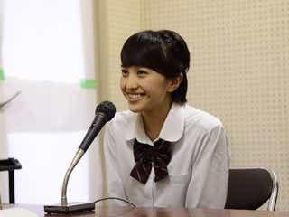 ももクロ百田夏菜子、隠密ロケでお昼の校内放送に登場