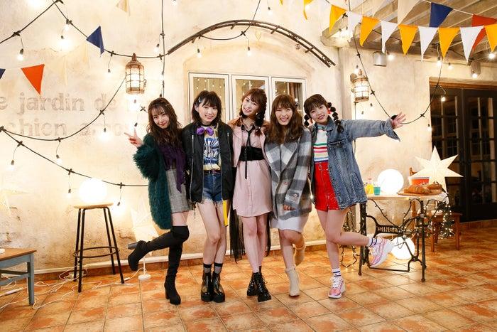 (左から)村瀬紗英、太田夢莉、吉田朱里、渋谷凪咲、植村梓(C)NMB48