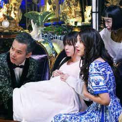 (左から)渡部篤郎、深田恭子、小沢真珠、どんぐり「ルパンの娘」第2話より(C)フジテレビ