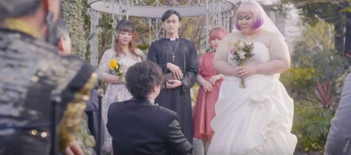 「トゥルース・ハーツ」日本版MVより (提供写真)