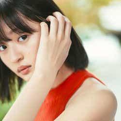 モデルプレス - 乃木坂46遠藤さくら、透明感あふれる美肌披露