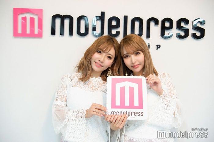 吉川ちえ・ちか(C)モデルプレス