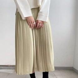 お値段以上のクオリティ♡ユニクロの「プリーツスカート」はキレイめなのに着心地が楽ちん!