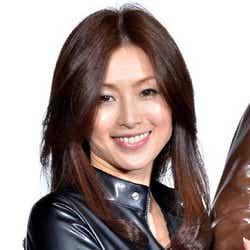 """モデルプレス - 酒井法子、AKB48の""""恋愛禁止ルール""""に言及 復帰後初イベント"""