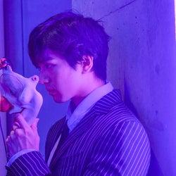新田真剣佑、映画「東京喰種【S】」に出演していた 初日舞台挨拶で発表