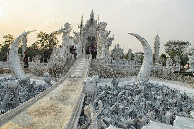 Wat Rong Khun by Thanate Tan