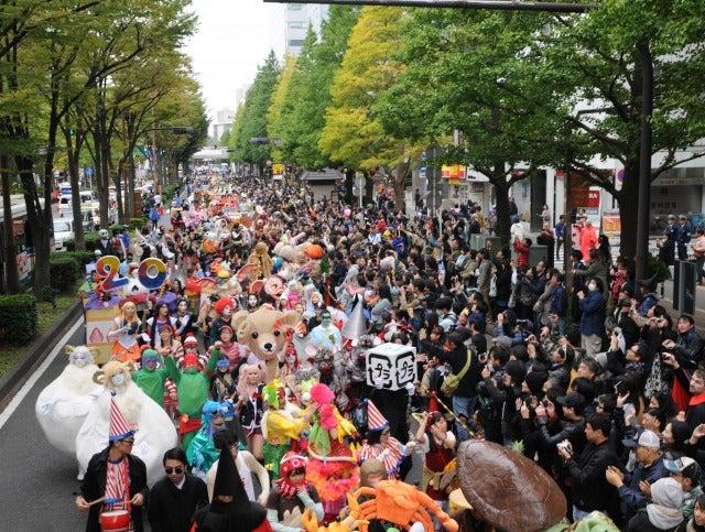 新川通りを完全ジャックする「ハロウィン・パレード」/画像提供:川崎市