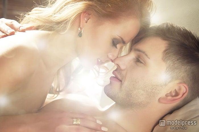 男性をとろけさせるキス6つのポイント(Photo-by-Aarrttuurr/Fotolia)【モデルプレス】
