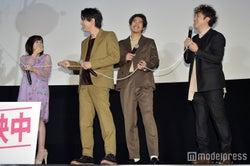橋本環奈、吉沢亮、賀来ポン太(賢人)、ムロツヨシ(C)モデルプレス