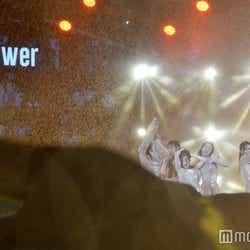 """モデルプレス - Flower、土砂降りで""""切なさ""""際立つ 初海外ライブで見えた高いプロ意識<タイ・バンコク現地取材>"""