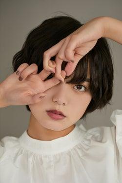欅坂46平手友梨奈のパフォーマンスに言及 密着したライブ写真も公開