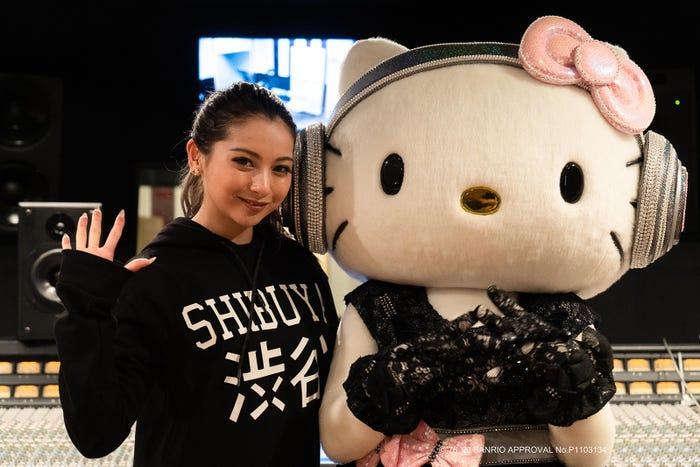 ゆきぽよ、DJ Hello Kitty(C)76,'20 SANRIO APPROVAL No.P1103134