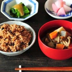 レンジでチンするだけ!ダイエット中におすすめの絶品「寝かせ玄米」