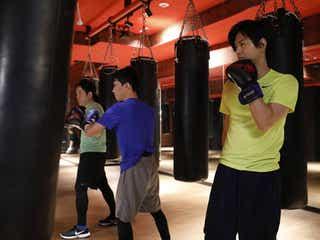 NEWS加藤シゲアキ、最新エクササイズを体験 芥川賞作家に迫る