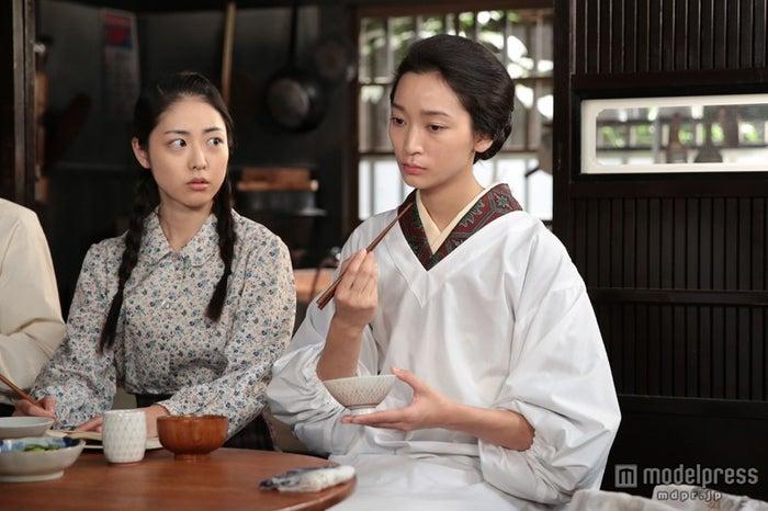 母親・め以子とのやり取りに注目(C)NHK