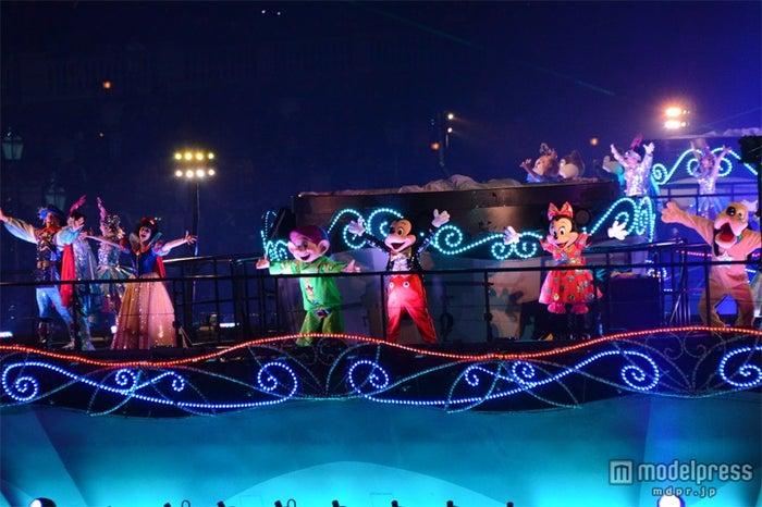 東京ディズニーシー「カラー・オブ・クリスマス」