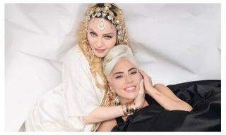 レディー・ガガ&マドンナ、遂に和解か 笑顔の密着ハグショットに世界が驚き