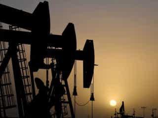 原油先物は下落、需要回復ペースへの懸念や米中対立で