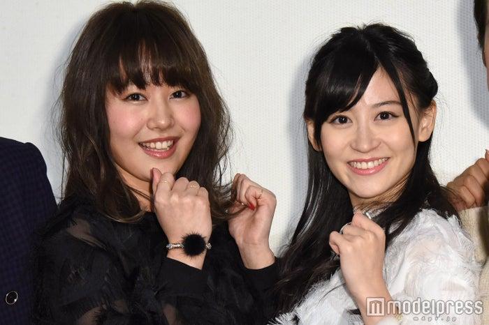(左から)門脇佳奈子、上西恵(C)モデルプレス