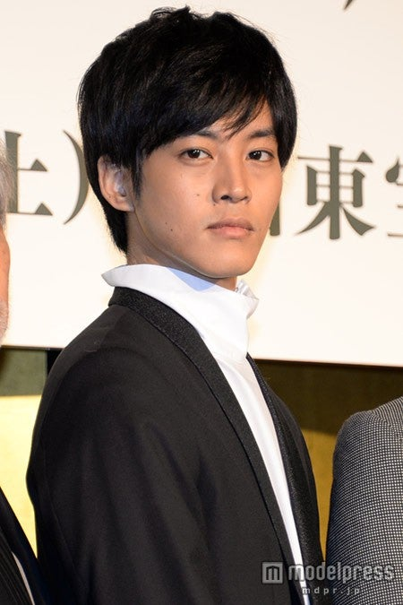松坂桃李を監督が絶賛「今ここにいることがすごく嬉しい」【モデルプレス】