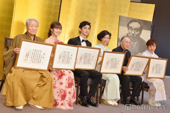 (左から)高田次郎、生田絵梨花、古川雄大、若村麻由美、橋爪功、大竹しのぶ (C)モデルプレス