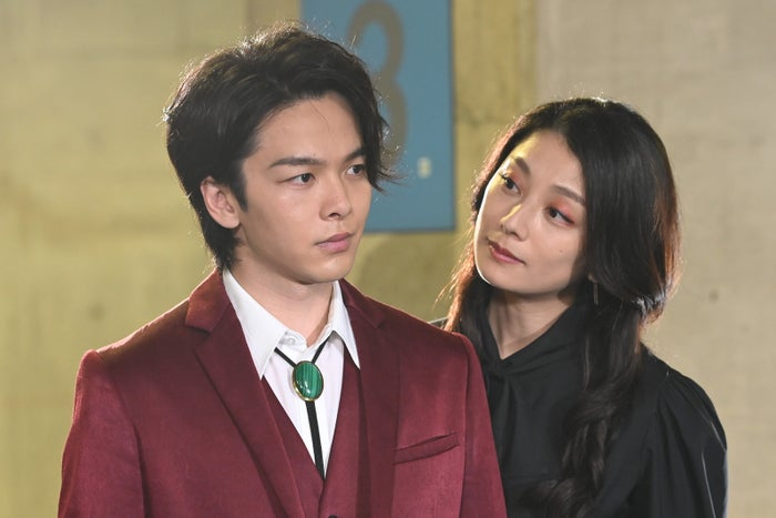 中村倫也、小池栄子/「美食探偵 明智五郎」最終話(C)日本テレビ