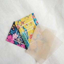 《あぶらとり紙のOK・NGな使い方》正しく使えば肌に嬉しい効果も!