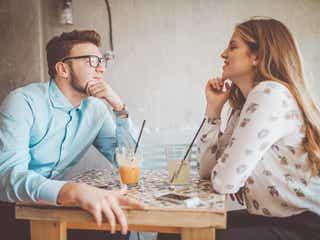 恋愛対象としての判断基準は?男性が初対面で見るポイント