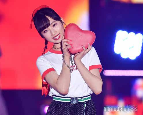 AKB48小栗有以、真っ赤なリボンゆれるキュートランウェイ<GirlsAward 2019 SPRING/SUMMER>
