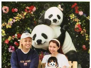"""ぺこ&りゅうちぇる、息子・リンク君が""""動物園デビュー"""" 家族ショットに「憧れでしかない」「素敵すぎる」の声"""