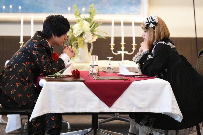 黒羽麻璃央、剛力彩芽/ドラマ「レンタルの恋」第9話より(C)TBS