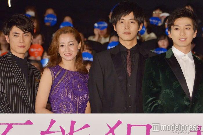 (左から)間宮祥太朗、沢尻エリカ、松坂桃李、新田真剣佑 (C)モデルプレス