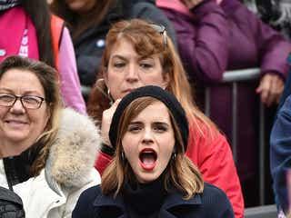 エマ・ワトソン、史上最大規模の反トランプ・デモへ アリアナ・グランデ、クロエ・グレース・モレッツ、マドンナらセレブが多数参加 すぐにトランプ氏がTwitterで反応