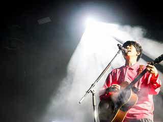 【ライブレポート】sumikaが満を持して大トリとしてステージに登場。「みんなを守れるバンドでありたい」<JAPAN JAM 2021>