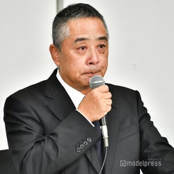 吉本興業・岡本社長、さんま・松本人志の男気「俺が手伝うから」涙で明かす