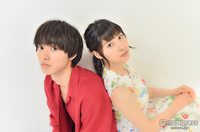 モデルプレスのインタビューに応じた土屋太鳳(右)、山崎賢人【モデルプレス】