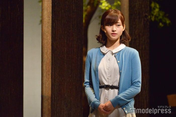 七五三掛龍也の彼女役を演じる羽瀬川なぎ/ゲネプロの様子(C)モデルプレス