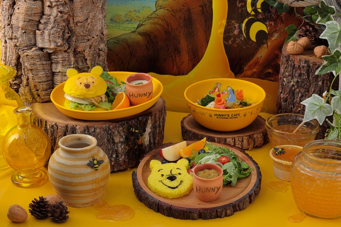 """『Winnie the Pooh』HUNNY'S CAFE in STRANGE DREAMS(C)Disney.Based on the """"Winnie the Pooh"""" works by A.A.Milne and E.H.Shepard."""