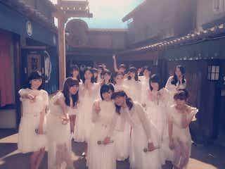 AKB48が朝ドラ「あさが来た」のセットで主題歌「365日の紙飛行機」を披露!今夜放送「わが心の大阪メロディー」