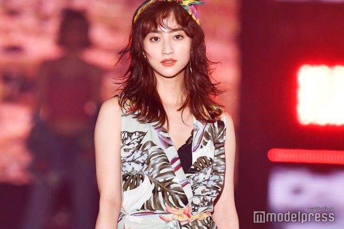 「Rakuten GirlsAward 2019 SPRING/SUMMER」に出演した堀田茜 (C)モデルプレス