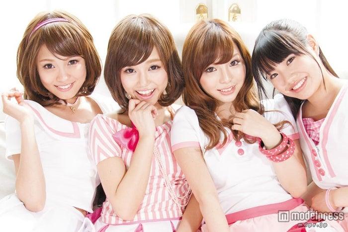 アイドルグループ・Pimm's(左から)ERISA、AKI、KANYA、EMIRI(新メンバー)