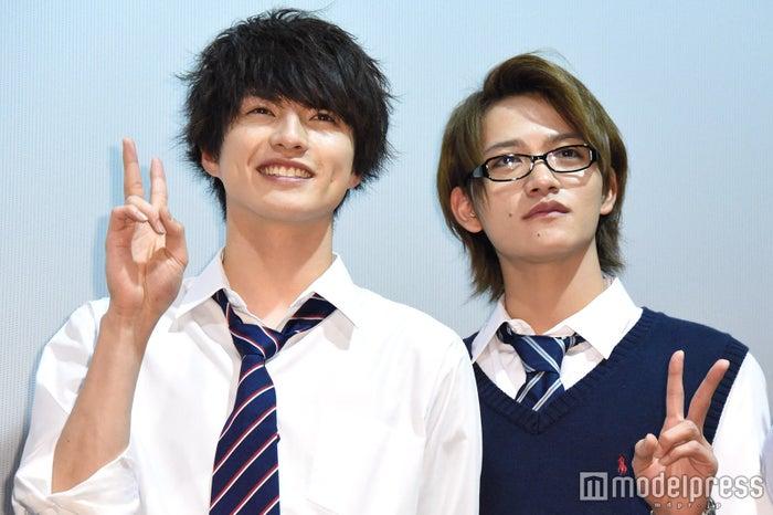 (左から)小南光司、藤田富(C)モデルプレス