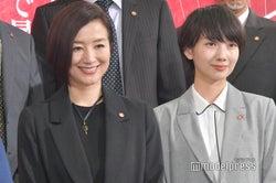 鈴木京香、波瑠 (C)モデルプレス
