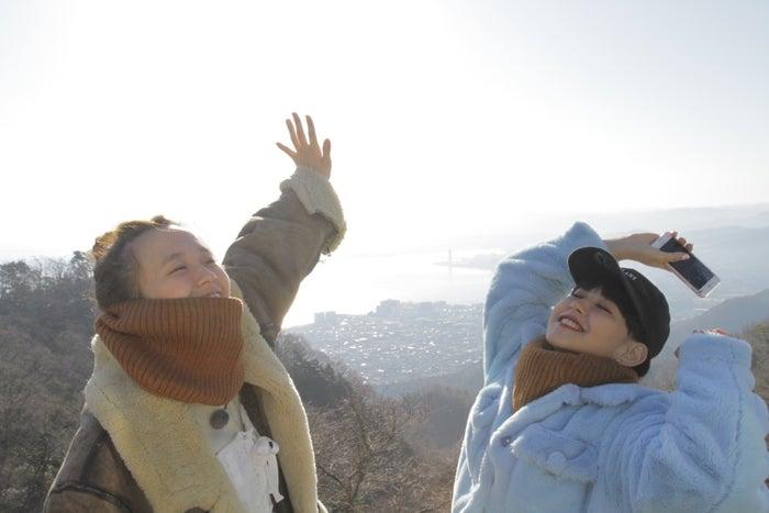(左から)柴田紗希、菅沼ゆり(写真提供:MBS)