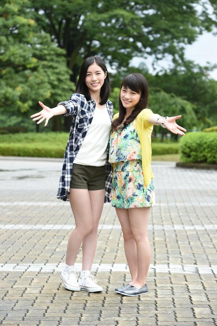 (左から)SKE48松井珠理奈、川栄李奈(C)TBS
