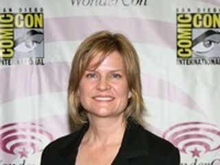 Lifetime『UnReal』、シーズン2より製作総指揮として『TOUCH/タッチ』キャロル・バービーが参入