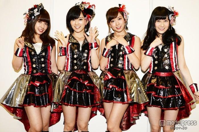 モデルプレスのインタビューに応じたNMB48(左から:山田菜々、山本彩、渡辺美優紀、矢倉楓子)